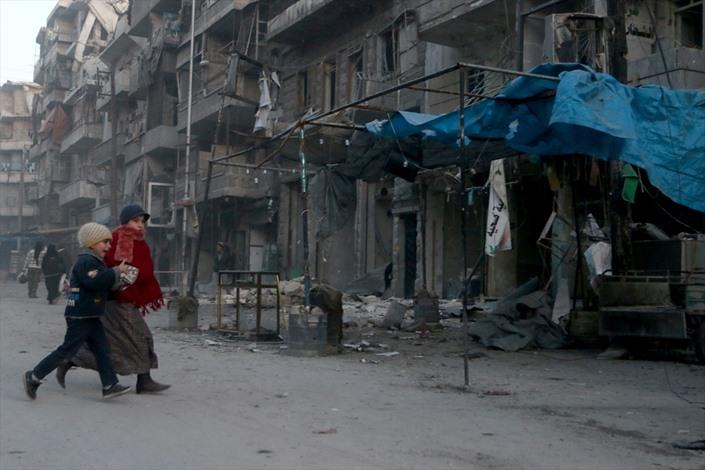 قصف للنظام السوري بـالعنقودي على حلب - 03- قصف للنظام السوري بـالعنقودي على حلب - الاناضول