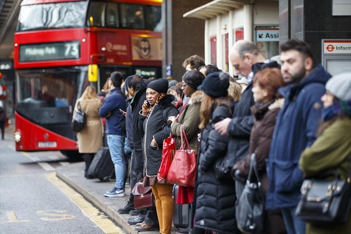 إضرابات عمالية تسبب فوضى في لندن - 04- إضرابات عمالية تسبب فوضى في لندن - الاناضول