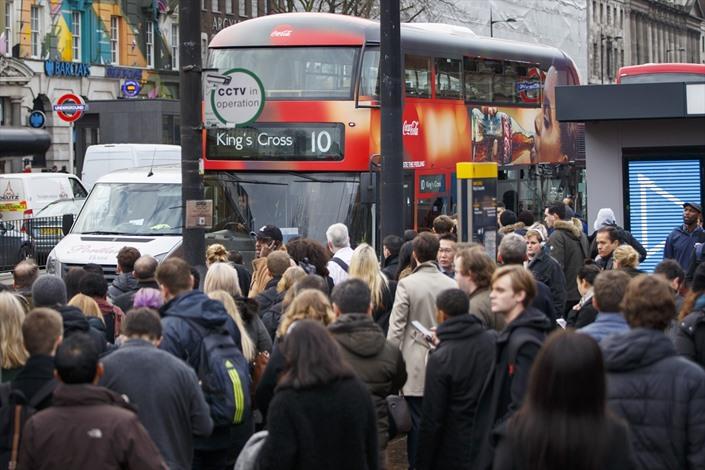 إضرابات عمالية تسبب فوضى في لندن - 06- إضرابات عمالية تسبب فوضى في لندن - الاناضول