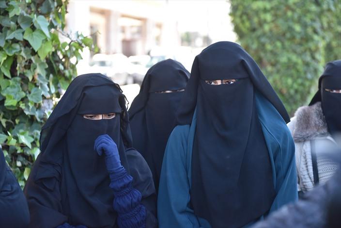 الامن المغربي يمنع وقفة تندد بحظر إنتاج البرقع - 02- الامن المغربي يمنع وقفة تندد بحظر إنتاج البرقع
