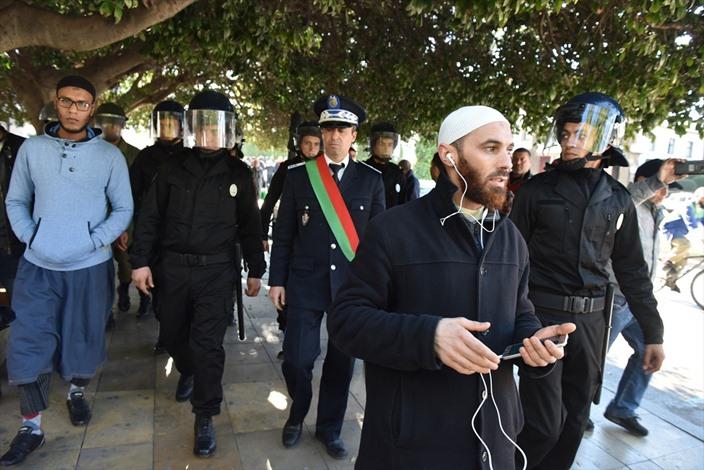 الامن المغربي يمنع وقفة تندد بحظر إنتاج البرقع - 04 الامن المغربي يمنع وقفة تندد بحظر إنتاج البرقع -