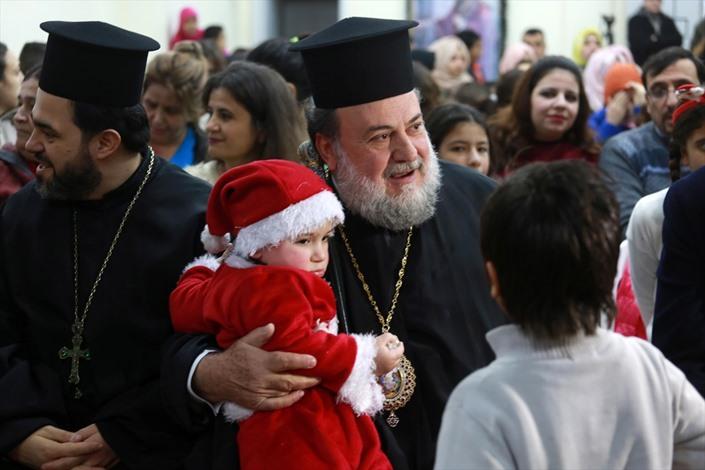 المسيحيون الأرثوذكس بغزة يحتفلون بعيد الميلاد - 04- المسيحيون الأرثوذكس بغزة يحتفلون بعيد الميلاد -