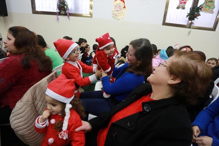 المسيحيون الأرثوذكس بغزة يحتفلون بعيد الميلاد - 05- المسيحيون الأرثوذكس بغزة يحتفلون بعيد الميلاد -