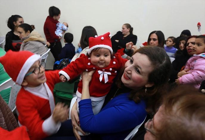المسيحيون الأرثوذكس بغزة يحتفلون بعيد الميلاد - 06- المسيحيون الأرثوذكس بغزة يحتفلون بعيد الميلاد -