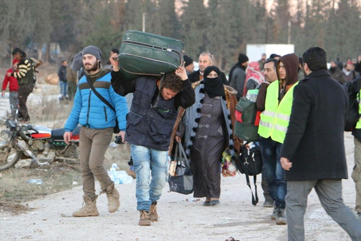 مغادرو حلب.. فرحة النجاة.. ومرارة المغادرة - 06- مغادرو حلب.. فرحة النجاة.. ومرارة المغادرة - الاناض