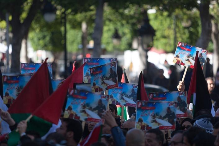 آلاف التونسيين ينددون باغتيال الزواري - 06- آلاف التونسيين ينددون باغتيال الزواري - الاناضول