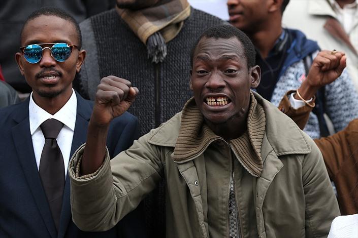طلبة أفارقة يطالبون بتجريم العنصرية في تونس - 05- طلبة أفارقة يطالبون بتجريم العنصرية في تونس - الان