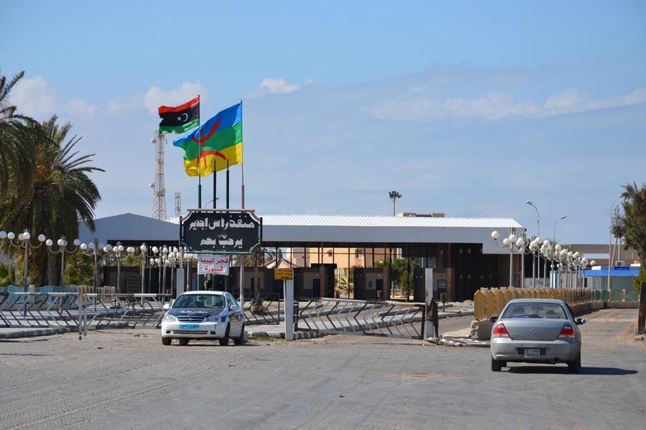 استئناف تصدير السلع الليبية لتونس - 01- استئناف تصدير السلع الليبية لتونس - الاناضول