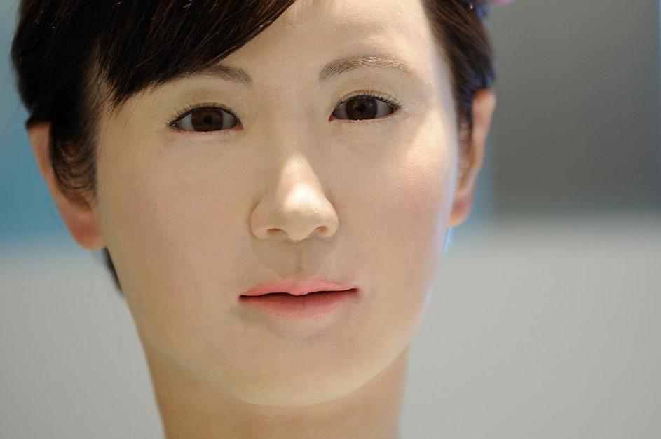توشيبا تطور إمرأة آلية بقدرات بشرية - 01- توشيبا تطور إمرأة آلية - الاناضول