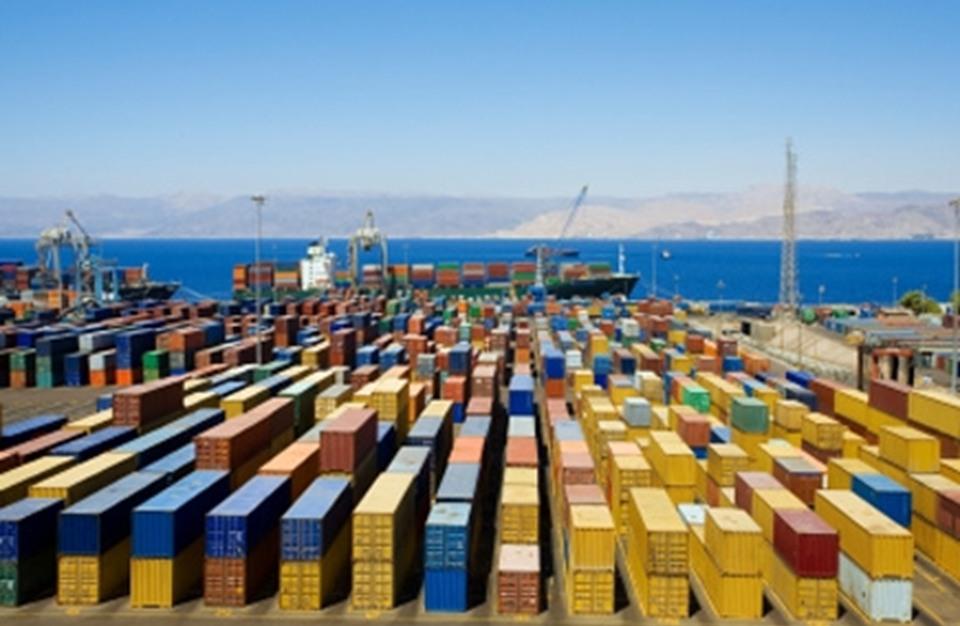 حكومة مصر في 100 يوم .. تراجع قيمة الصادرات بنسبة 11%