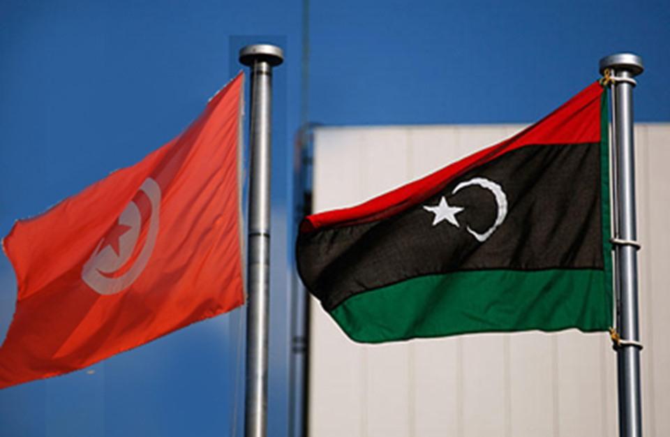 ليبيا وتونس توقعان اتفاقيات في مجالات النقل والطيران