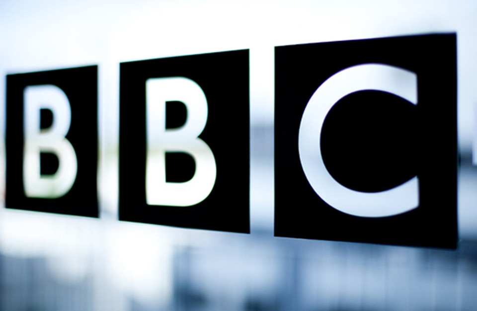 """BBC"" تتلقى 18600 شكوى بسبب لفظة عنصرية في تقرير"