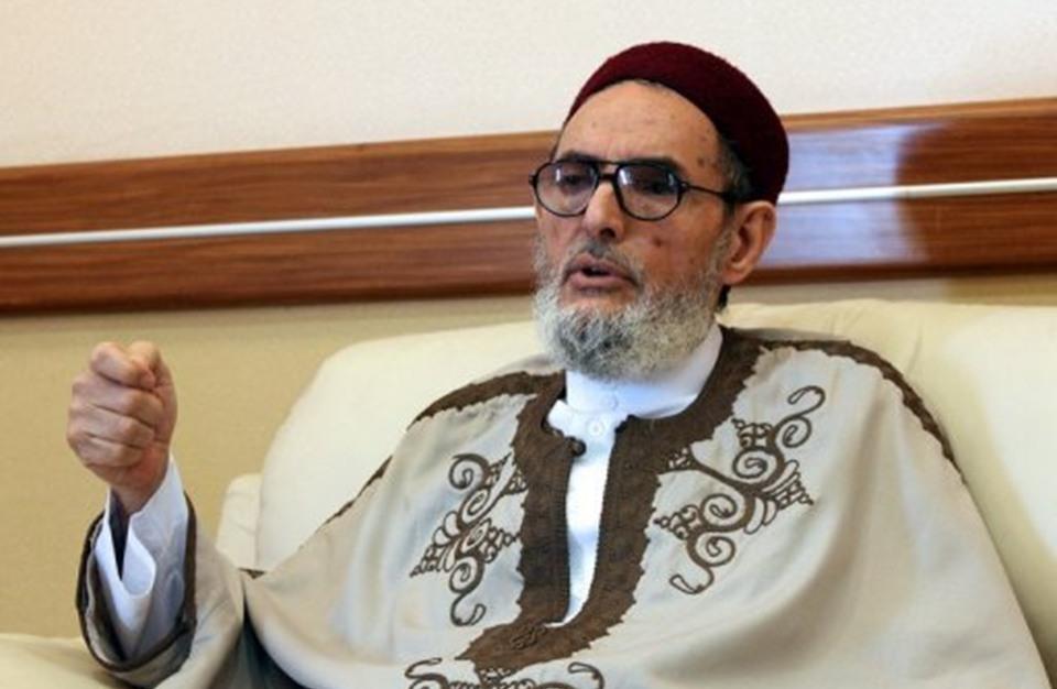 مفتي ليبيا يشن هجوما على الإمارات ويمتدح تركيا (شاهد)