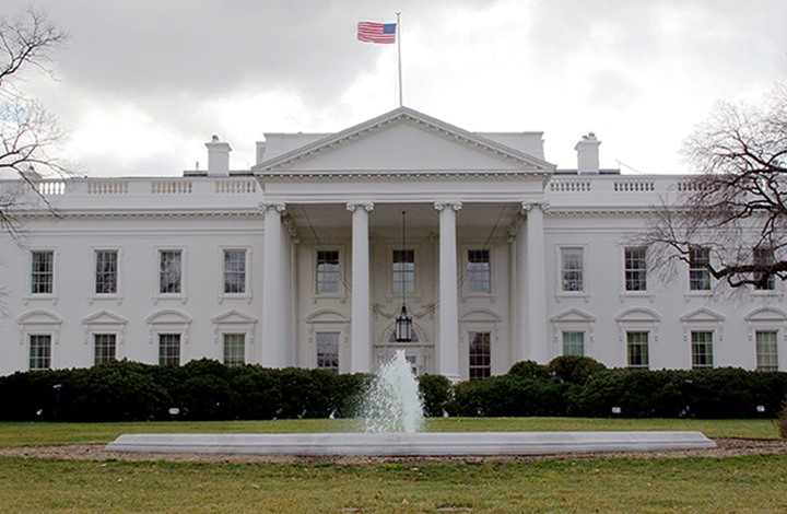 متسلل عبر سور البيت الأبيض: أنا صديق لترامب ولدي موعد (فيديو)