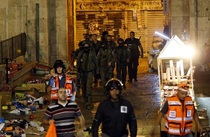 استشهاد شاب فلسطيني بعد ان طعن شرطيا إسرائيليا بالقدس القديمة+(صور)