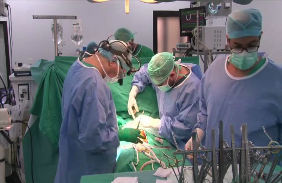 جراح قلب في لبنان ينقذ أطفال اللاجئين السوريين