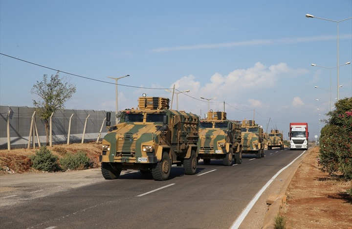 لوموند: كيف تم استقبال الجيش التركي كمنقذ في إدلب؟
