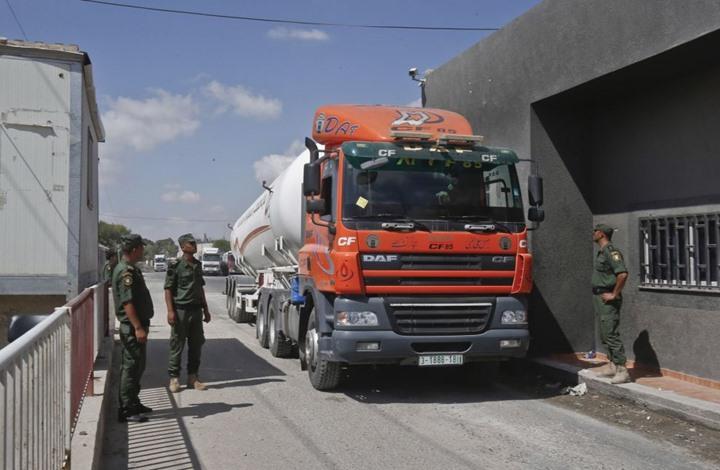 محللون يقرأون تداعيات قرار قطر بإدخال شاحنات الوقود لغزة