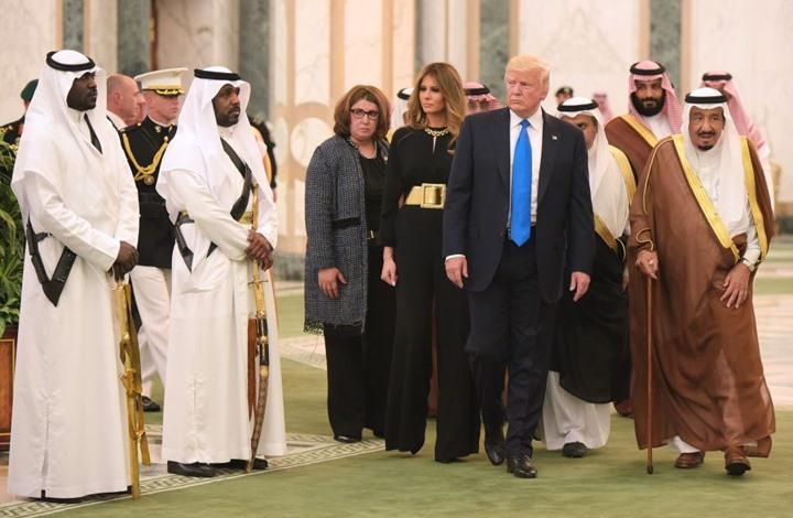 للمرة الخامسة.. ترامب يبتز السعودية والنشطاء يعلقون