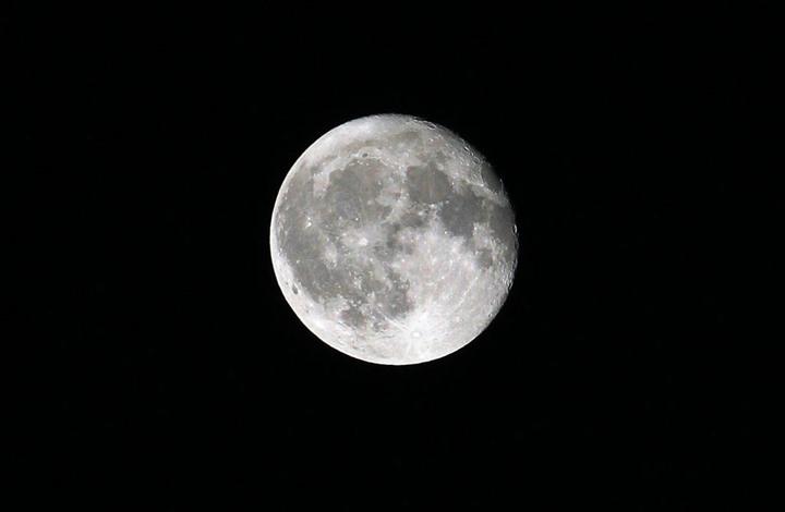 اكتشاف أدلة جديدة على نشأة القمر.. بقيادة عالم مصري