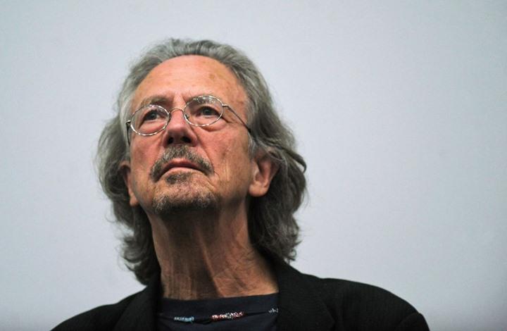 استقالة في لجنة نوبل احتجاجا على تكريم كاتب نمساوي