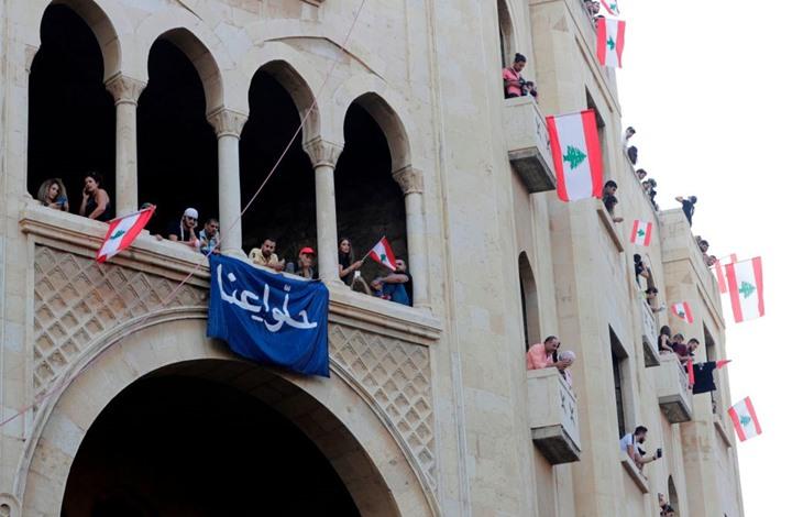 الحريري يتفق مع شركائه في الحكومة على حزمة إصلاحات