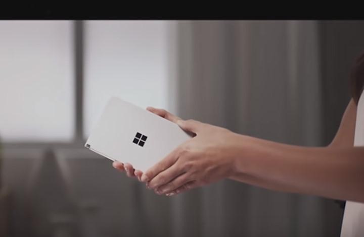 """مايكروسوفت تطرح أول جهاز متعدد الأغراض بـ""""أندرويد"""" (فيديو)"""