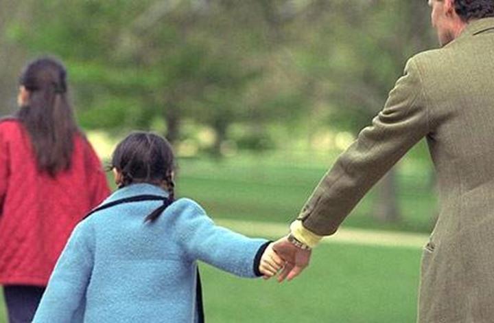 الأطفال الذين يقضون أوقاتا مع آبائهم لديهم معدلات ذكاء عالية