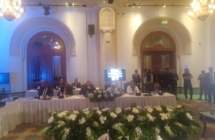 المباحثات الليبية بمصر تنتهي بالدعوة لجولة ثانية حول الدستور