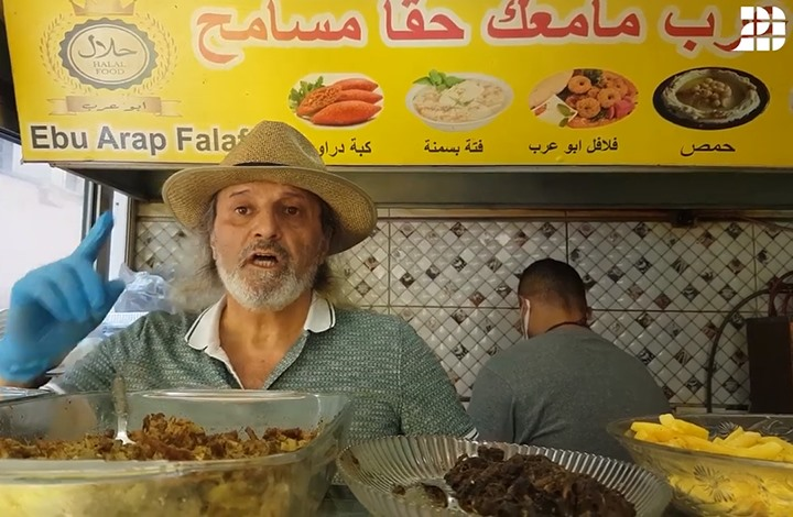 """""""عربي21"""" بمطعم أبو عرب.. مبادرة بإسطنبول لإطعام الجائعين"""