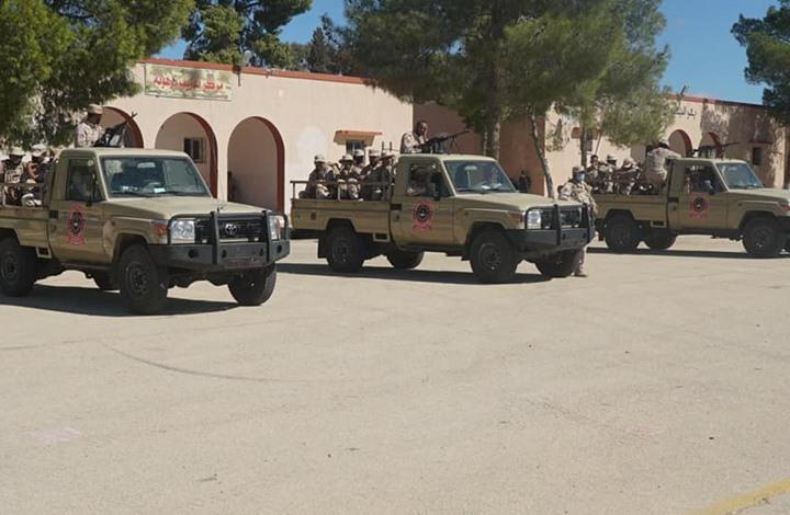 """اعتقال مسؤول ليبي بعد اتهامه بإهانة الثورة وموالاة """"القذافي"""""""
