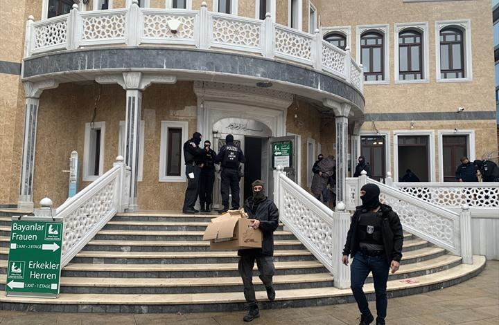 أردوغان يدين اقتحام الشرطة الألمانية مسجدا بالأحذية