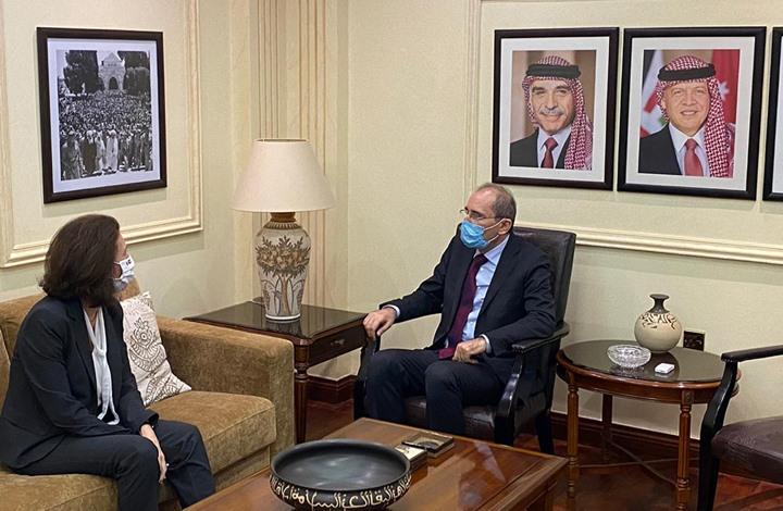 الأردن يبلغ سفيرة فرنسا استياءه الشديد من الإساءة للنبي الكريم