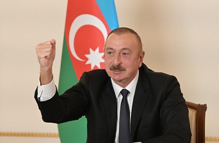 """رئيس أذربيجان ينشر صورا لزيارته مسجدا في """"قره باغ"""" (شاهد)"""