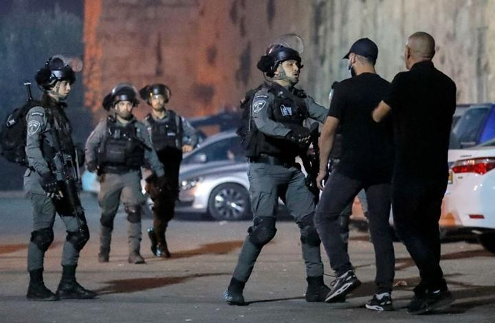 إصابات بقمع الاحتلال محتجين قرب مقبرة بالقدس (شاهد)