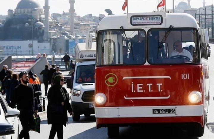 """بلدية إسطنبول تعرض """"حافلات تاريخية"""" بذكرى تأسيس شركة النقل"""