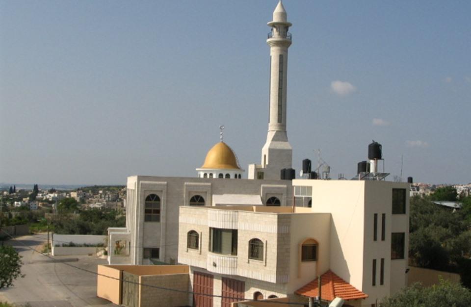 السلطة الفلسطينية توقف الأذان الموحد بطلب إسرائيلي