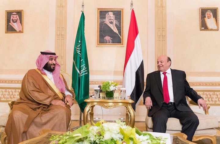 """مصادر يمنية لـ""""عربي21"""": الرياض تتنصت على هادي وفريقه"""