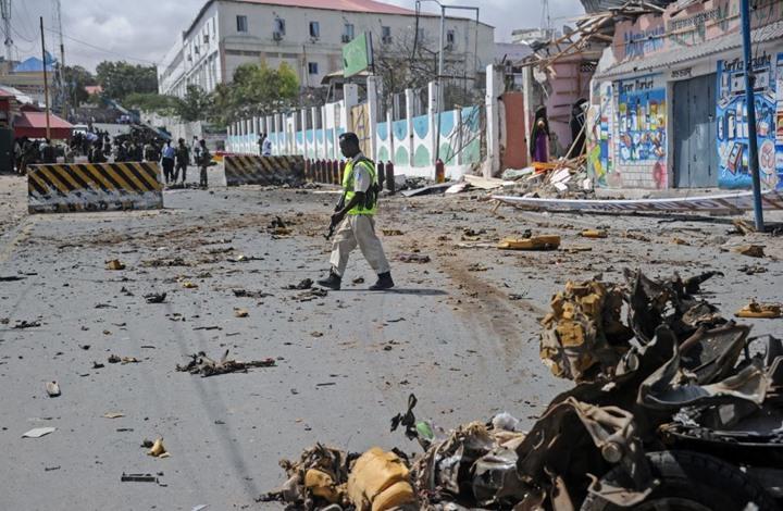 تفجيران بسيارتين ملغمتين يهزان العاصمة الصومالية مقديشو