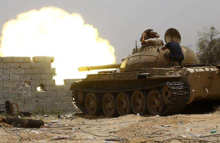 """خبير: حفتر يستغل """"كورونا"""".. ويصعد هجماته على طرابلس"""