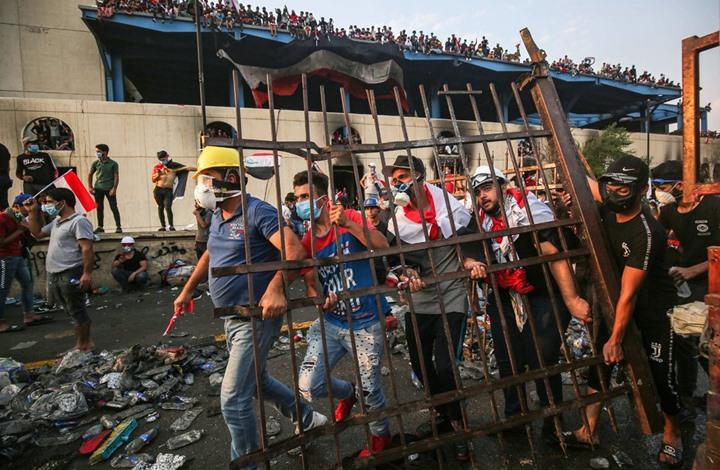 """NYT: لماذا يثور العراقيون ضد الاحتلال """"الإيراني""""؟"""