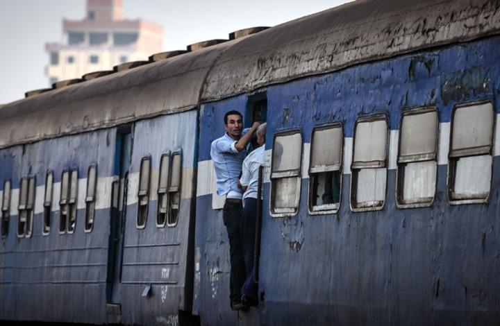 الاستعانة بالأجانب تثير مخاوف رفع أسعار تذاكر القطارات بمصر