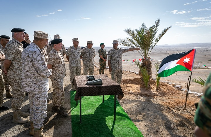 """ملك الأردن يزور """"الغمّر"""" المستعادة من الاحتلال (صور)"""