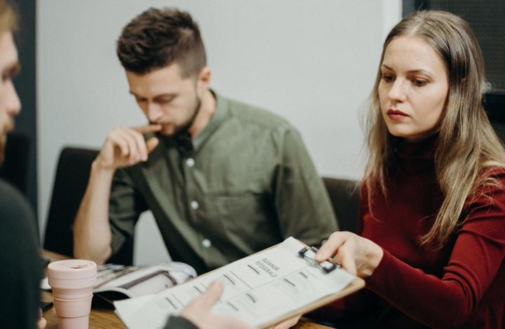 استطلاع: الرجال يحتاجون جهدا وذكاء أقل من النساء للنجاح (طالع)