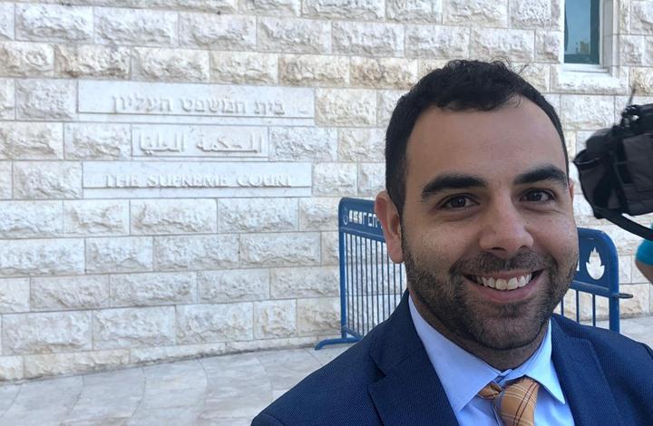 محكمة للاحتلال تؤيد قرار إبعاد حقوقي لدعمه حركة المقاطعة