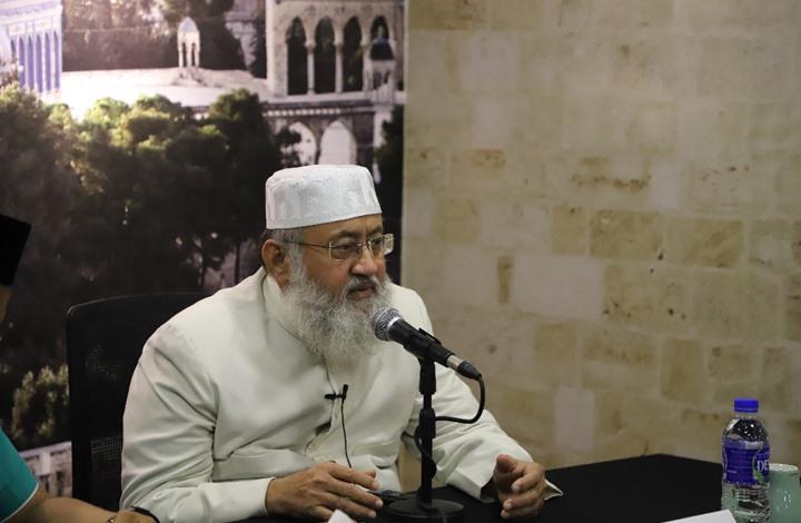 """داعية هندي شهير يهاجم """"كبار العلماء السعودية"""""""