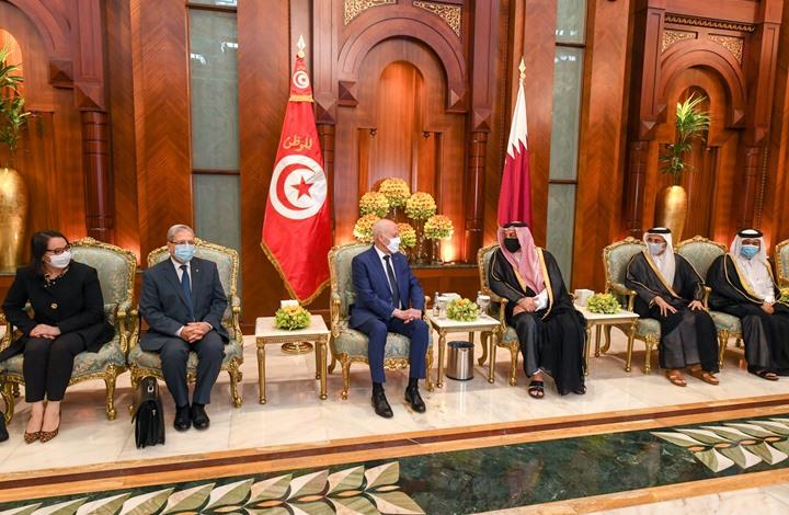 أمير قطر يبحث مع رئيس تونس تقوية العلاقات الثنائية (شاهد)