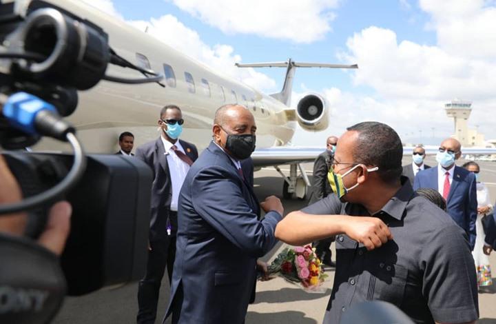البرهان يصل إثيوبيا في أول محطة بجولته الأفريقية (شاهد)
