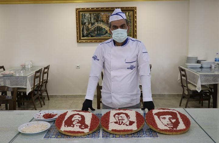 لوحات فنية لشيف تركي بقطع اللحم الأحمر والدهن