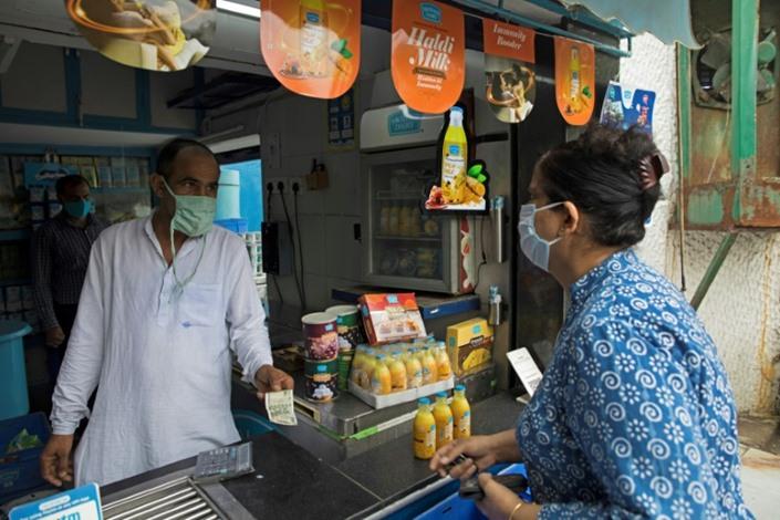 الهند تلجأ إلى الطب التقليدي لمواجهة كورونا